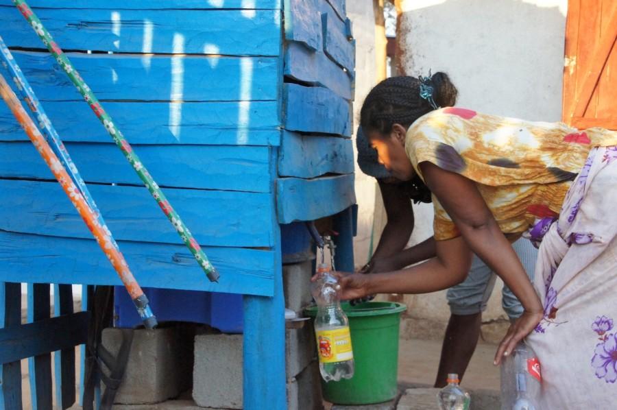 Der Wasserfilter PAUL versorgt die Patienten des Hopitaly Zoara und deren Familien jederzeit mit sauberem Trinkwasser