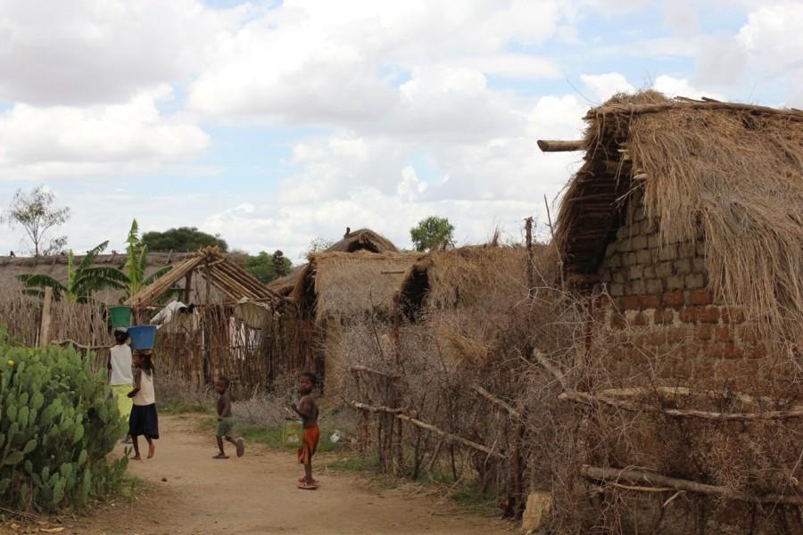Die kleine Stadt Fotadrevo liegt im Landesinneren im  Südwesten Madagaskars, in einer der entlegendsten Gegenden des Landes.